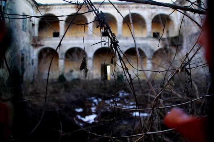 Il loggiato di Villa Visconti-Casati, a Tornora, Saliceto di Cadeo (2013)